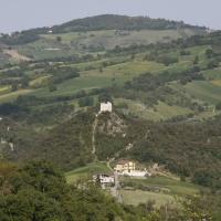 Casoli (Ch), la torre che domina il lago di Casoli