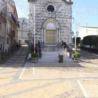 Lentella (Ch), chiesa in piazza