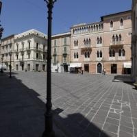 Vasto (Ch), La piazza antistante la chiesa di San Giuseppe, in centro